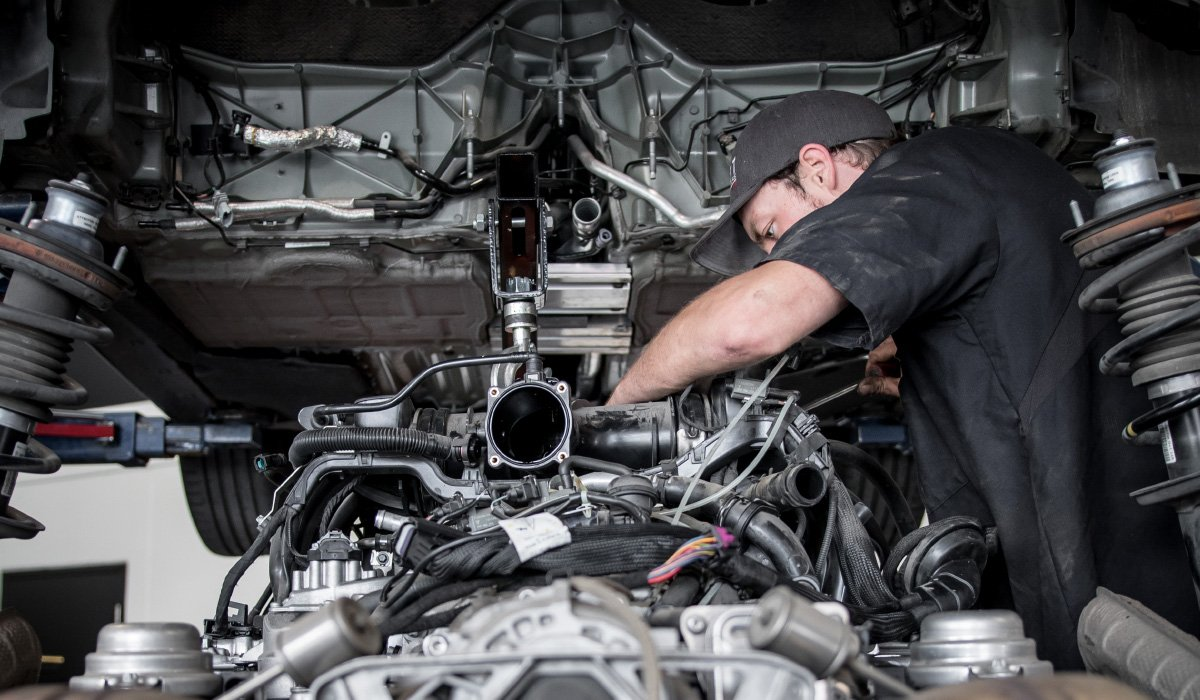 August Garage Automotive Technicians in Kelowna